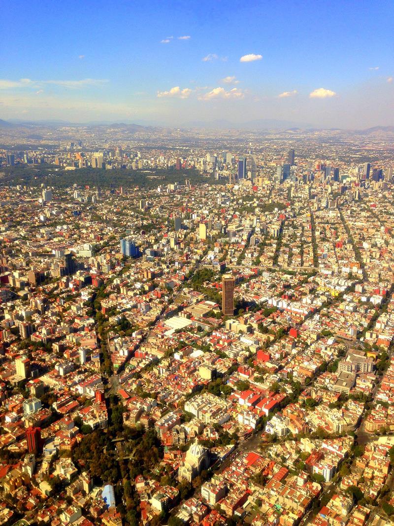 Ausblick während des Landeanflugs auf Mexiko City am Tag