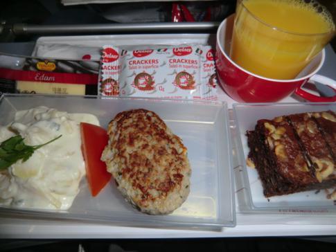 Das kalte Abendessen auf dem Flug mit Air Berlin von Düsseldorf nach Curacao