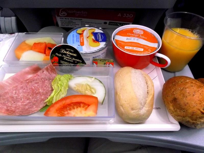 Mein Frühstück auf dem Flug mit Air Berlin von Curacao nach Düsseldorf