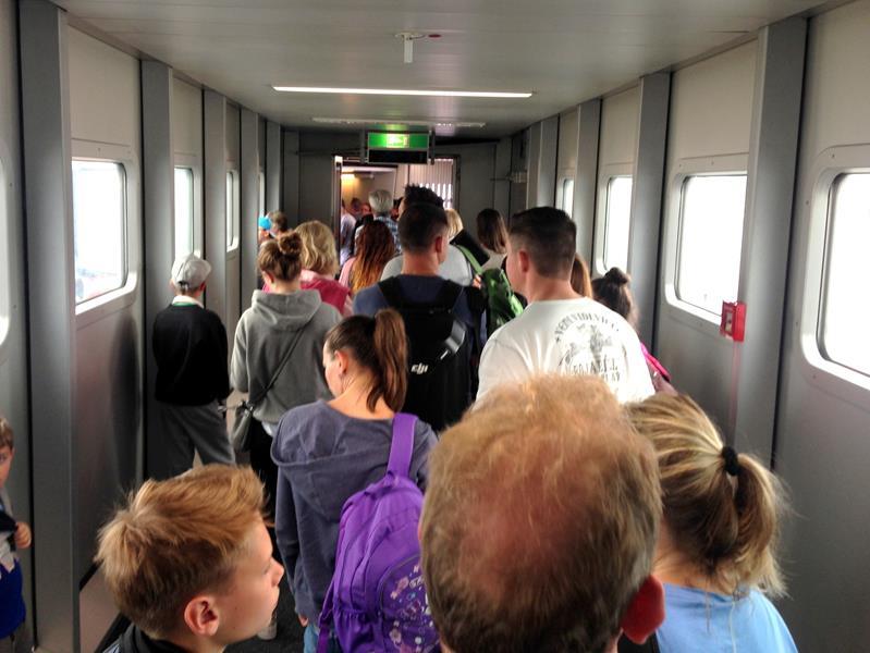Anstehen für den Flug mit Air Berlin von Düsseldorf nach Puerto Plata