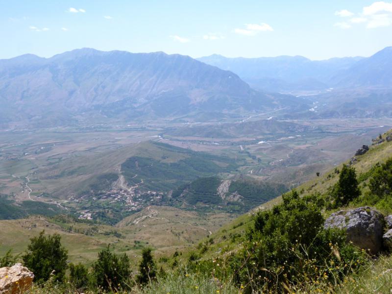 Panoramafahrt auf den Cajupit - das Bergland von Albanien nahe Gjirokastra