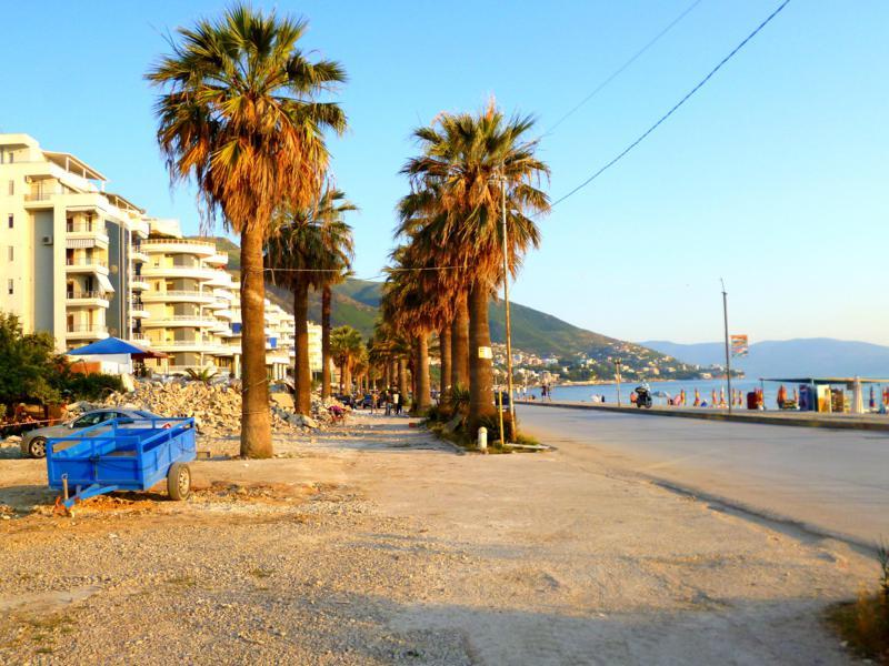 Die Strandpromenade von Vlora