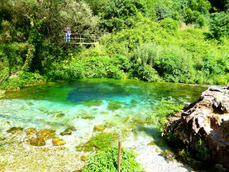 Syri i Kalter - the Blue Eye in Albanien, eine Wasserquelle