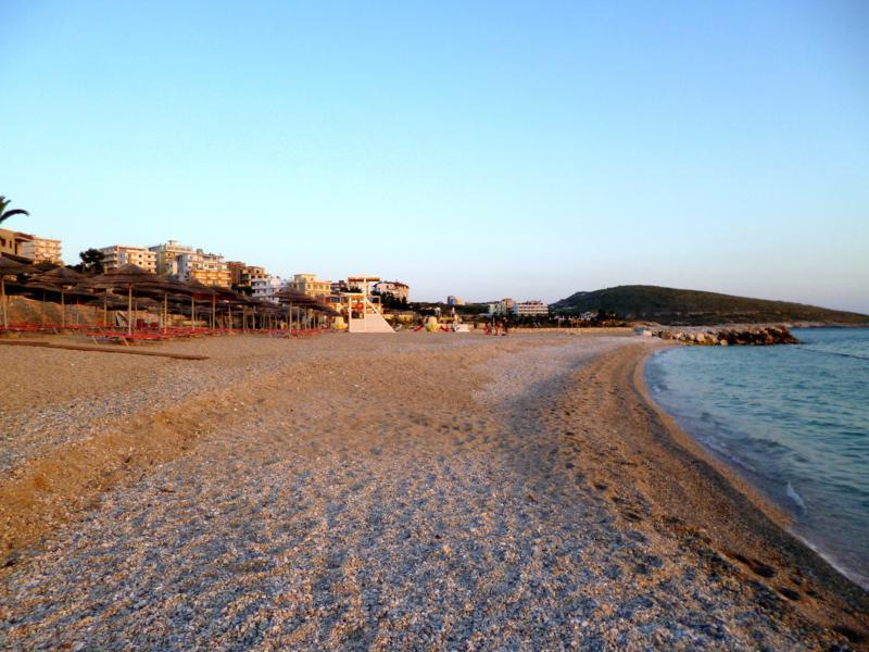 Strand in der südalbanischen Stadt Saranda
