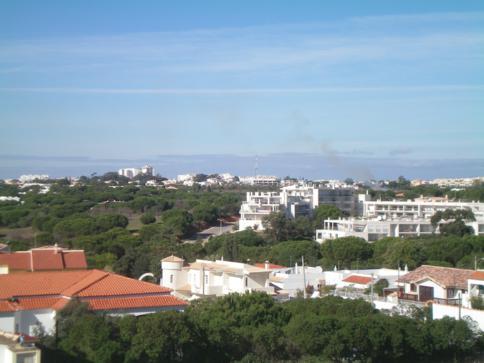 Ausblick vom Hotel Velamar nahe Albufeira über die Landschaft der Algarve