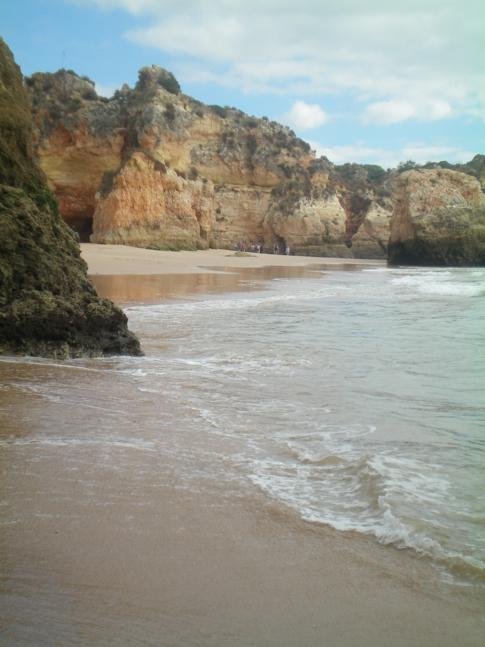 Der Praia Prainha, eine wunderschöne Bucht an der Südküste der Algarve