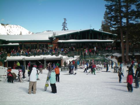 Die Base Area in Alpine Meadows