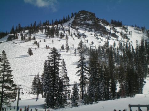 Blick von der Base Area zum Scott Peak