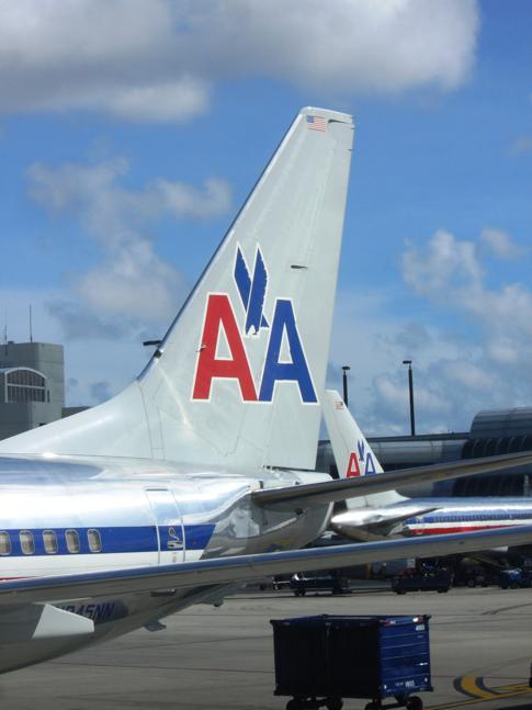 Eine Heckflosse von American Airlines in Miami