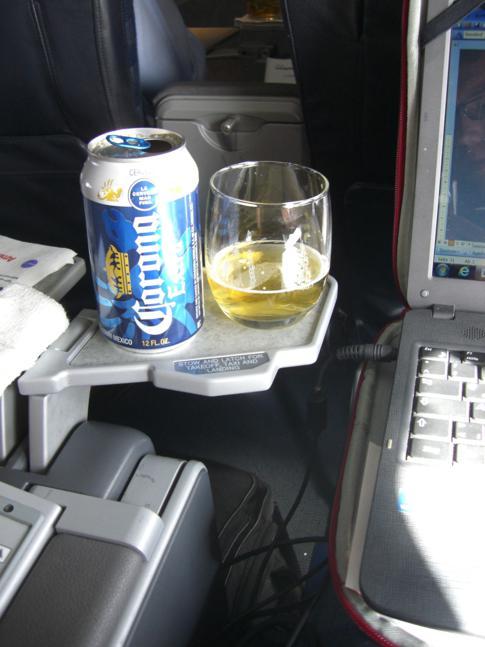 Perfekte Arbeitsbedingungen bei American Airlines auf dem Flug von Miami nach Grenada