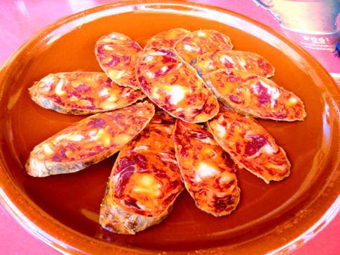 Typisch andalusische Chorizo - eine der klassischen Tapas