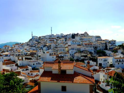 Comares, ein klassisches weißes Dorf in Andalusien
