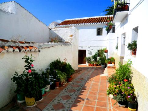 Die Altstadt von Comares, einem weißen Dorf in Andalusien