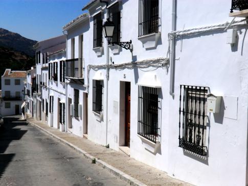 Ein weiteres klassisches weißes Dorf in Andalusien: Zuheros