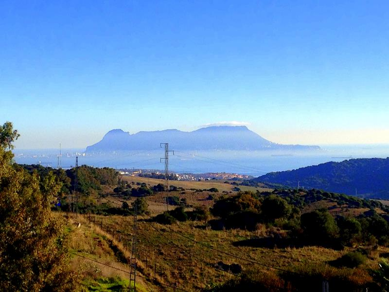 Blick auf Gibraltar von der Straße nach Algeciras aus