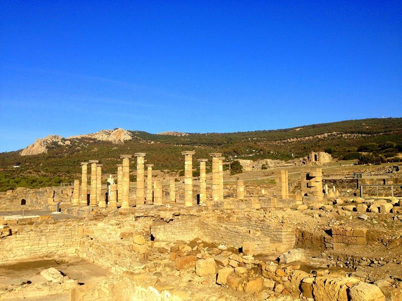Die Ausgrabungsstätte Baelo Claudia in Bolonia im Süden von Andalusien