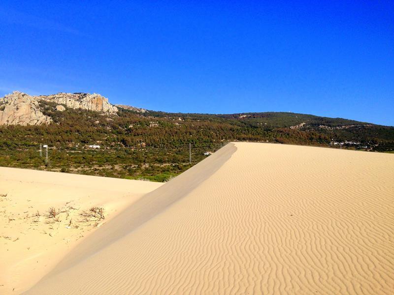 Die beeindruckende Düne von Bolonia im Süden von Andalusien