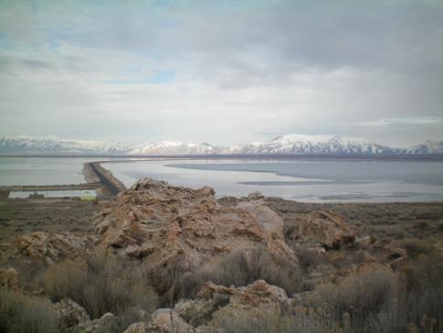 Der lange Damm vom Festland nach Antelope Island