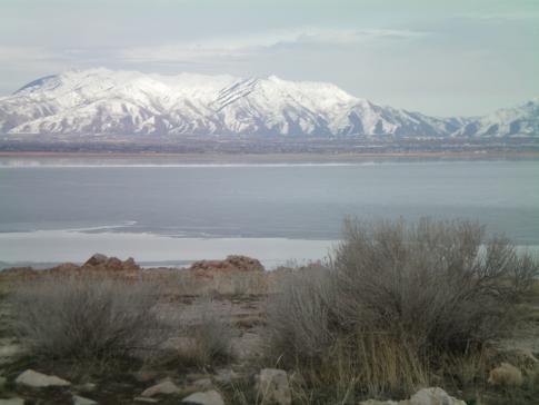Blick von Antelope Island auf das gegenüber liegende Festland