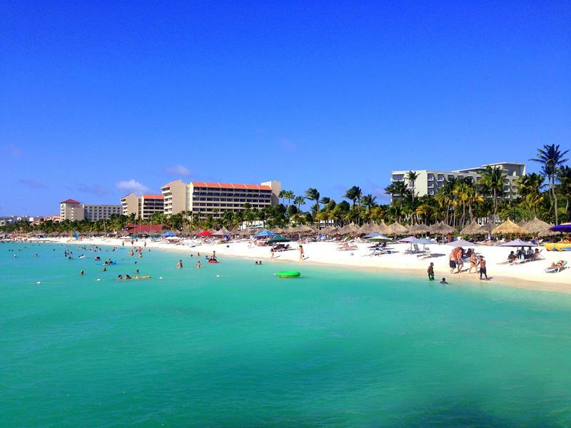 Palm Beach an der Nordwestküste von Aruba