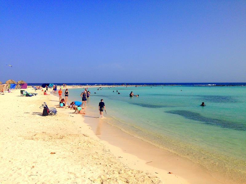 Der traumhaft schöne Baby Beach im Süden von Aruba