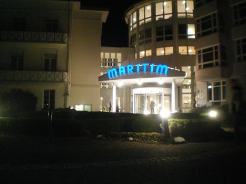 Der Eingang zum Maritim Badehotel in Bad Wildungen