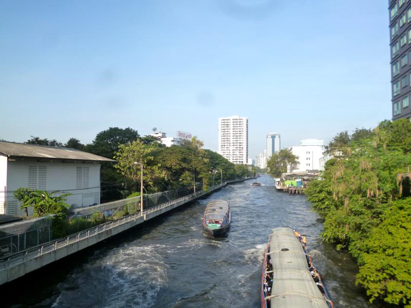 Ein Khlong-Boot in Bangkok