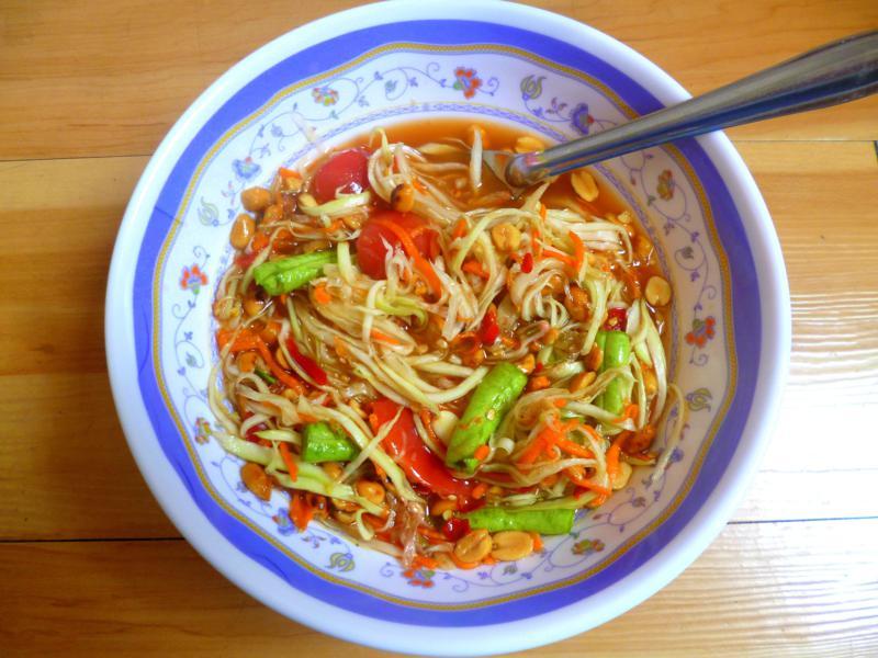 Som Tam, der super leckere Papaya-Salat in Thailand