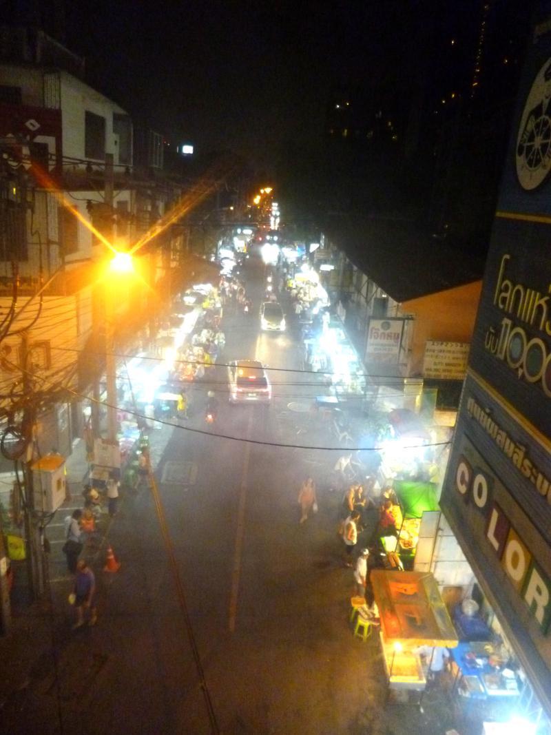 Die Thong Lo, eine der Street Food Hotspots der Stadt