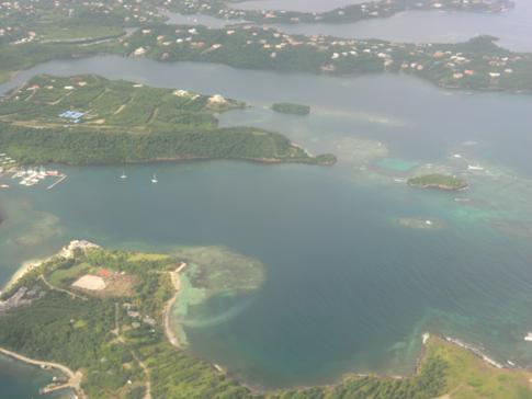 Flug mit Liat über die Ostküste von Grenada