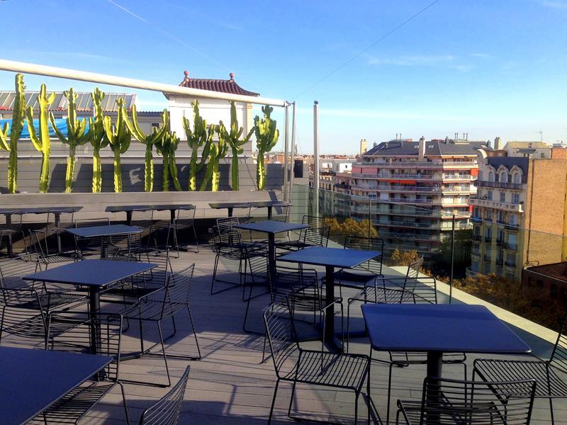 Die tolle Dachterrasse des B Hotel mit Blick auf den Plaza Espana