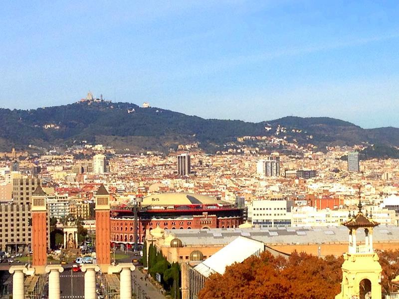 Ausblick vom Nationalpalast Mont-Juic auf Barcelona