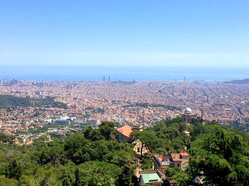 Toller Ausblick vom Tibidabo auf Barcelona