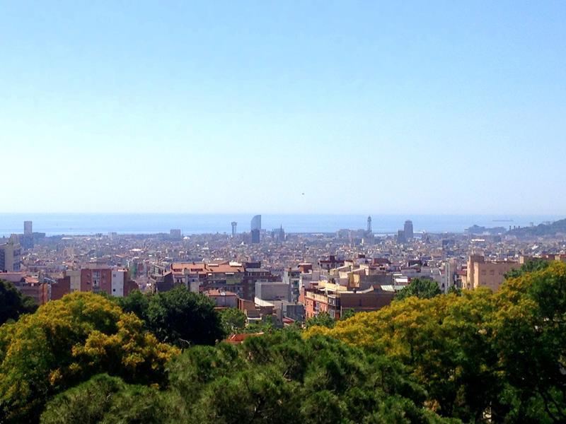 Blick vom Parque Guell auf Barcelona