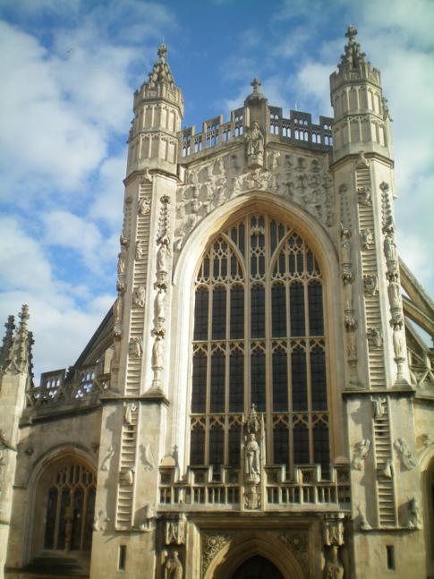 Das Bath Abbey im gleichnamigen Ort in der Grafschaft Somerset