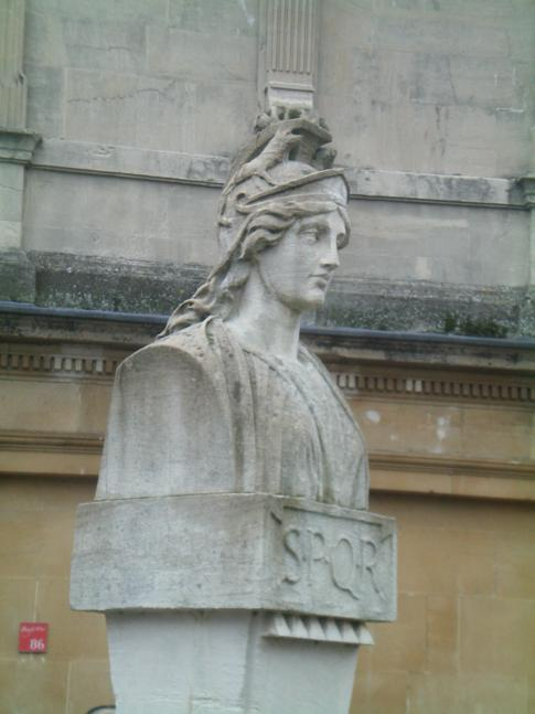 Statue des damaligen Herrschers von Rom in den römischen Bädern