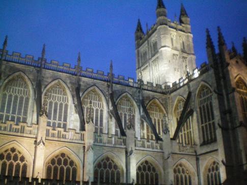 Das Bath Abbey bei Nacht