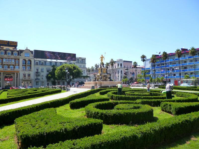Die Medea-Skulptur an einem der zentralen Plätze in Batumi