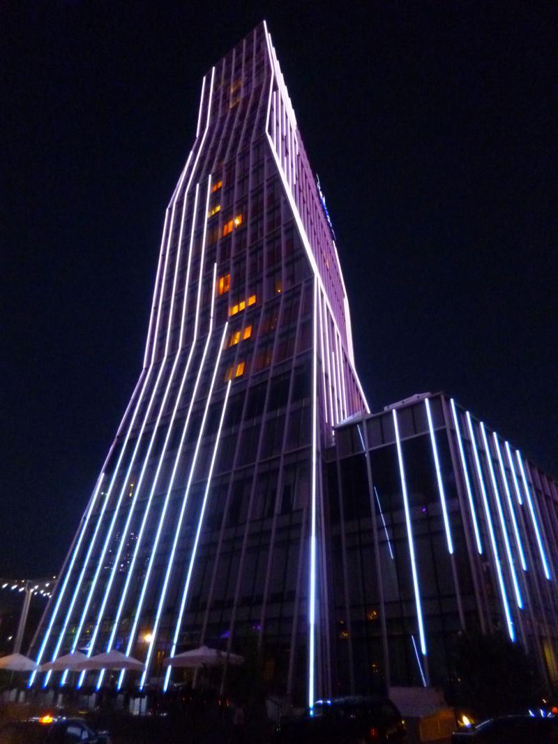 Batumi bei Nacht, ein Anblick der in Georgien seinesgleichen sucht ...