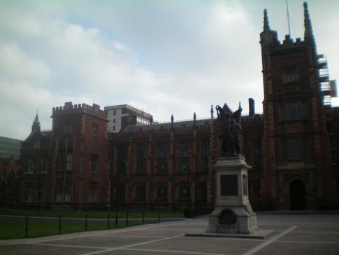 Die Queens University im Süden von Belfast