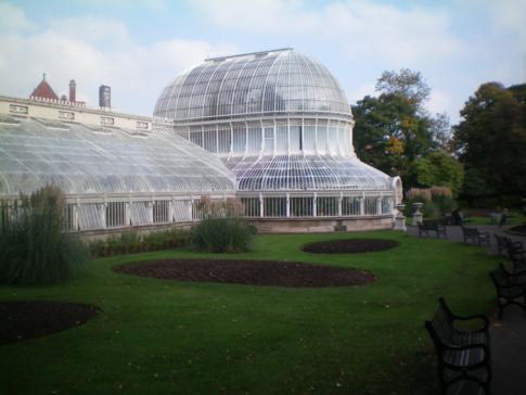 Der botanische Garten in Belfast, hier im Bild das Palmenhaus