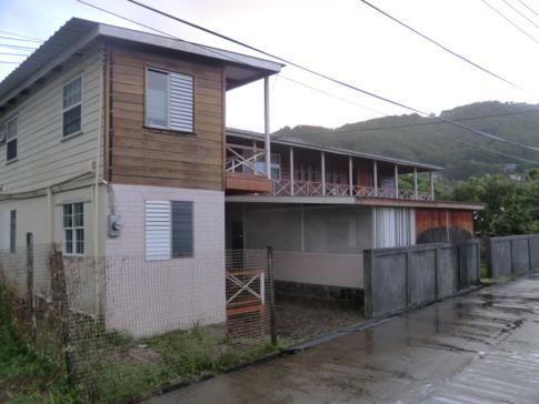 Julies Guesthouse im Hauptort Port Elizabeth auf Bequia