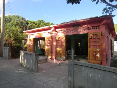 Das Breadfruit Tree Restaurant auf Bequia in Port Elizabeth