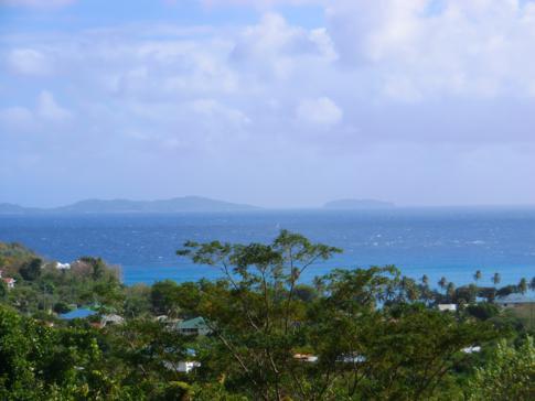 Blick über die Friendship Bay bis nach Mustique und Petit Mustique
