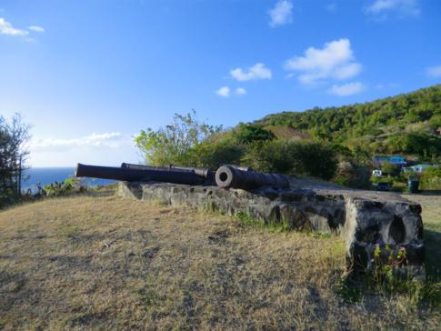 Das Fort Hamilton auf Bequia, nördlich von Port Elizabeth