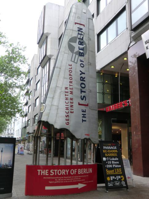 """Eingang in die Ausstellung """"The Story of Berlin"""""""