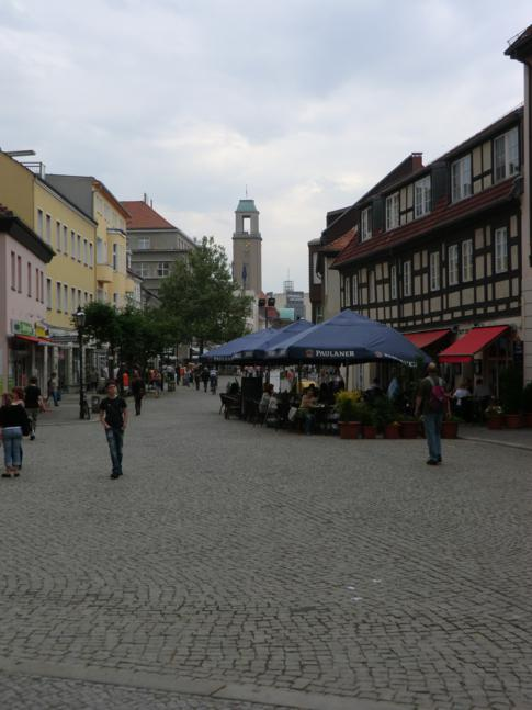 Die Fußgängerzone in der Altstadt von Berlin-Spandau
