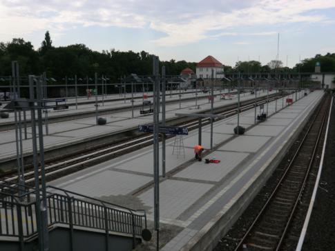 Die umfangreichen Gleisanlagen der S-Bahn-Haltestelle Olympiastadion