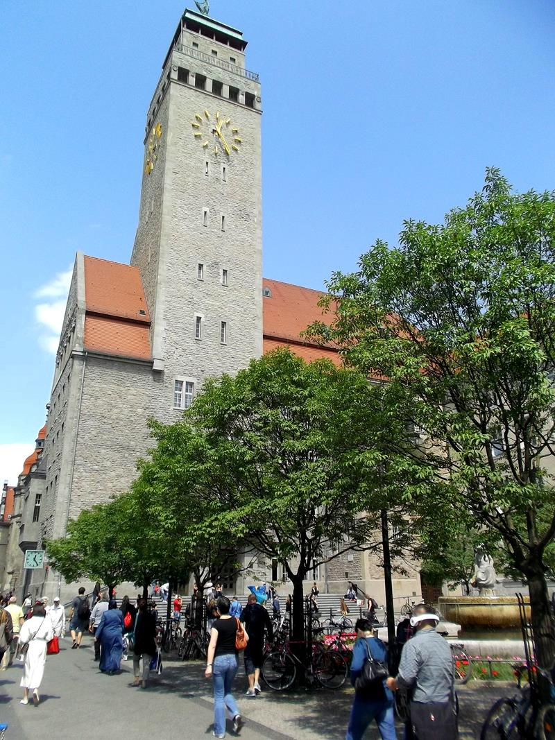 Das Rathaus in Berlin-Neukölln