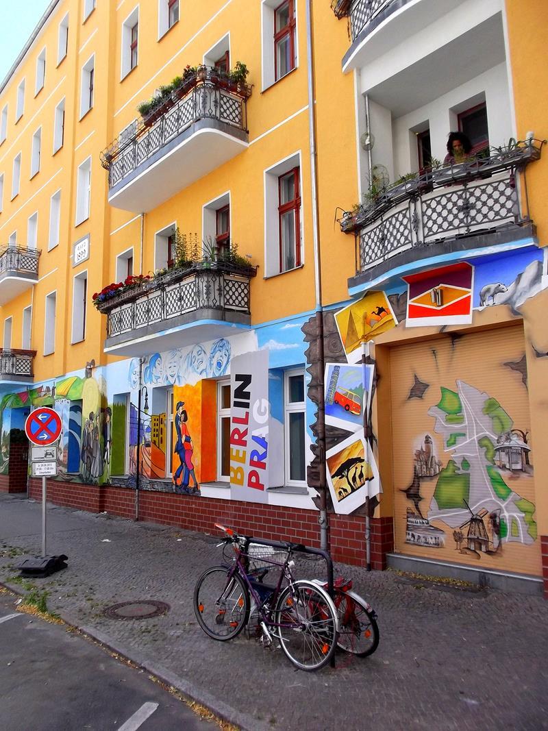 Street-Art in der Hertzbergstrasse in Berlin-Neukölln